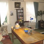 living room accommodation in shop for sale llanidloes